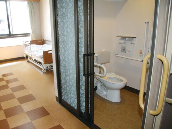 個室(トイレ付き)